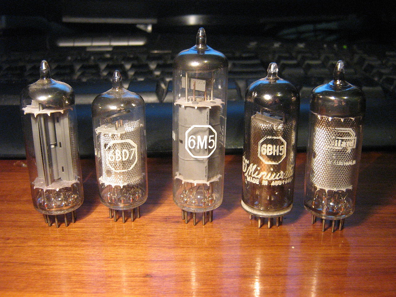 Vacuum Tube Monitor : The history of ram a trip down memory lane