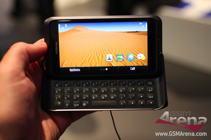Nokia E7 4